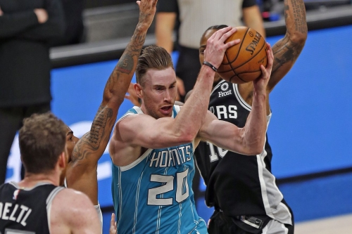 Recap: Hornets grind out win over the Spurs to snap three game losing streak, 100-97
