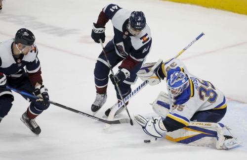 Blues battle, but fall to Avalanche 2-1
