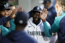 Mariners take series against Giants, celebrate night of firsts