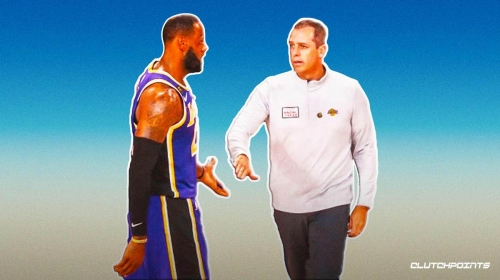 Lakers' Frank Vogel jokes about LeBron James dishing him assists on the sidelines