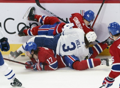 Maple Leafs deliver a dud against the Canadiens after trade deadline