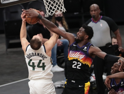 'I love my job': Deandre Ayton enjoying Phoenix Suns resurgent season – and his role in it