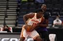 Undermanned Hawks handle Raptors in Tampa, 108-103