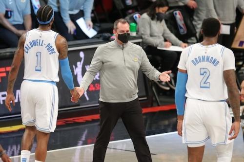 Lakers News: Frank Vogel Pleased With Effort Level Despite Constant Shuffling Of Rotation