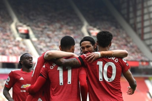 Man United player ratings vs Burnley: Donny van de Beek and Edinson Cavani good
