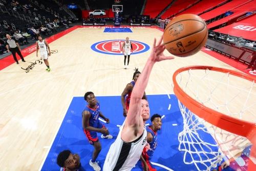 Game Thread: San Antonio Spurs vs Pistons