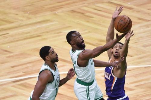 Kemba Walker scores 32, Celtics block out Suns 99-86