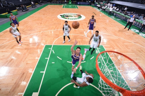 Must C's: Kemba Walker draws three charges on Devin Booker